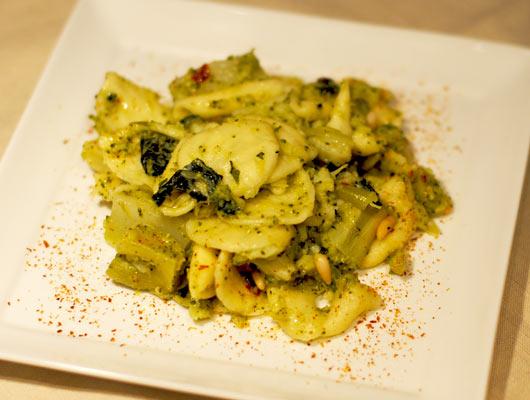 Orecchiette coi broccoli e i pinoli