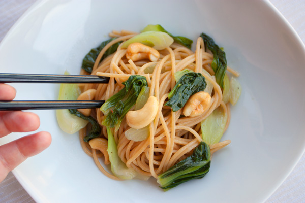Spaghettini con baby bok choy e zenzero