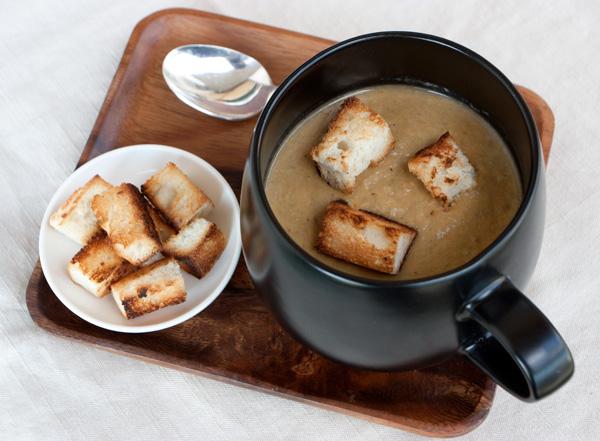 Zuppa di castagne, funghi e noci