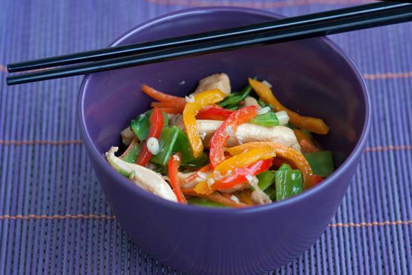 Pollo sukiyaki e verdure stir fry