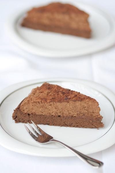 Torta di mousse al cioccolato senza farina