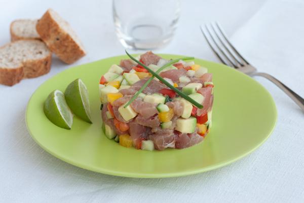 Tartare di tonno e verdure