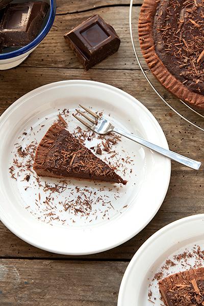 Crostata di frolla al cacao con ganache al cioccolato