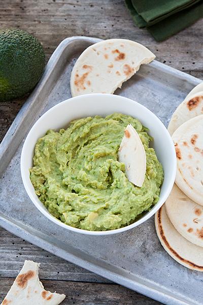 Hummus con avocado