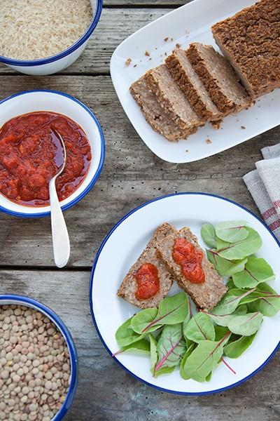 Polpettone vegetariano di riso e lenticchie