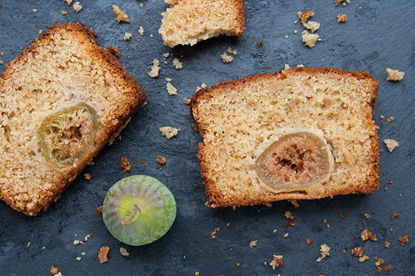 Torta con tahina, miele e fichi freschi