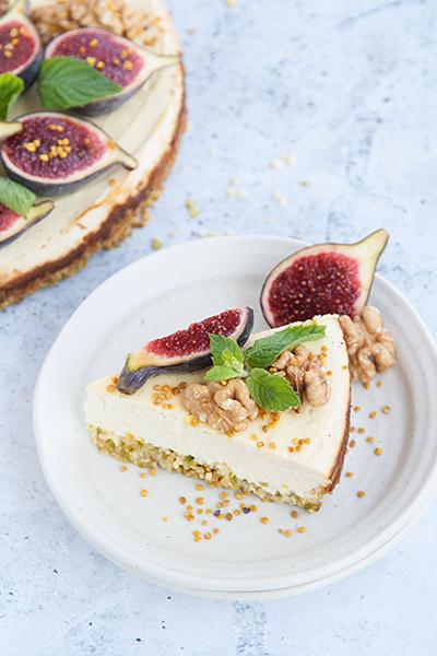 Cheesecake gluten free con labna, miele e fichi