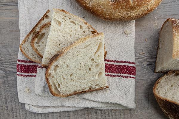 Pane a lunga lievitazione con licoli